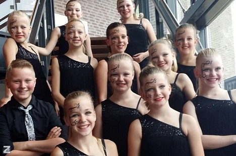 Showdanceteam Dance �n Move